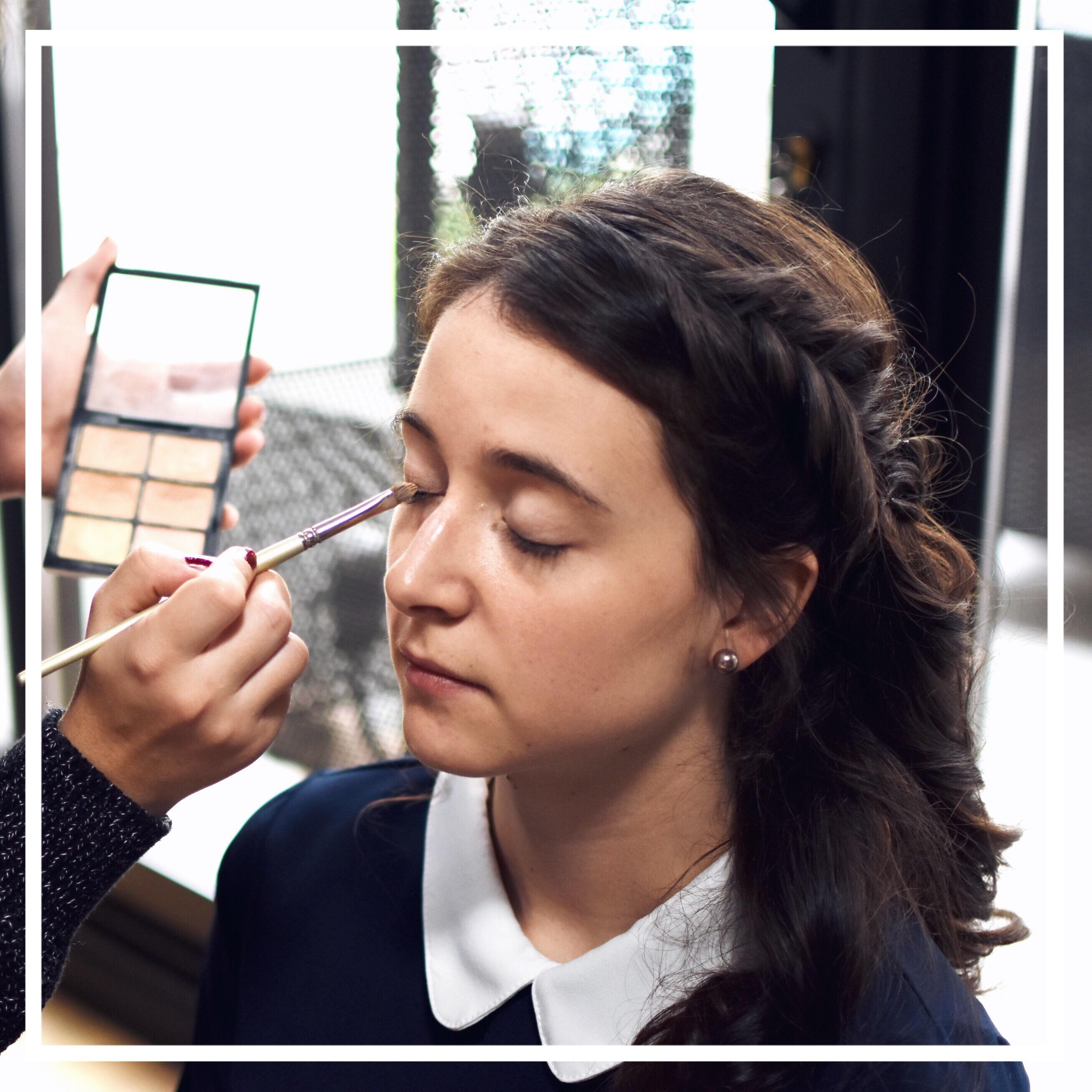 Coiffure maquillage des yeux
